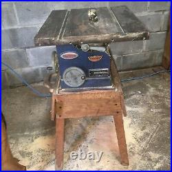 Vintage sears craftsman table saw has no fence or mitre guide very old very rar